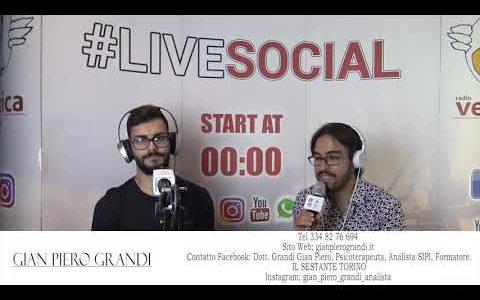 Intervista video live social.